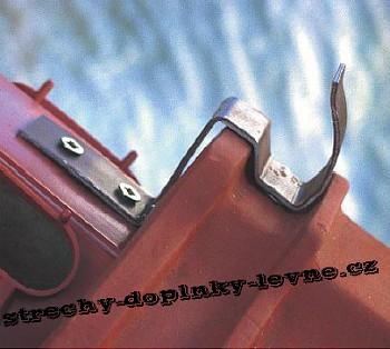 Příchytka hřebenáčů hliníková pro Tondach hřebenáč drážkový